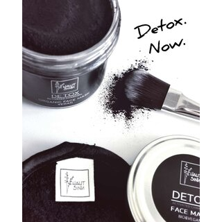 DETOX Activated Charcoal Face Mask